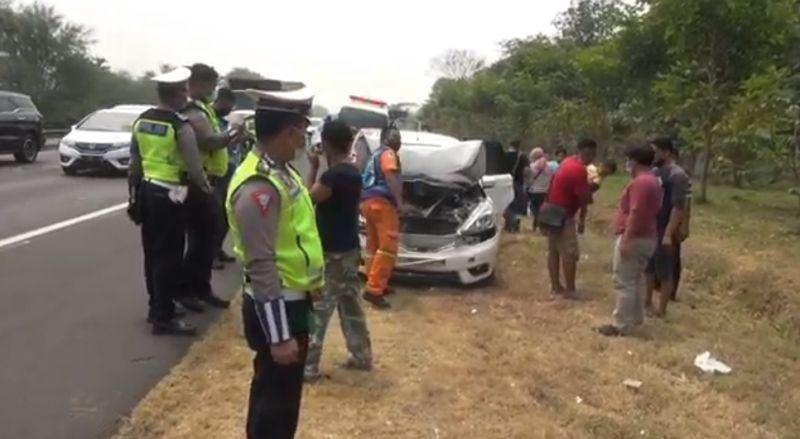 https: img.okezone.com content 2021 09 05 519 2466485 5-mobil-kecelakaan-beruntun-tol-surabaya-malang-lumpuh-2-jam-PjgyPUrbYu.jpg