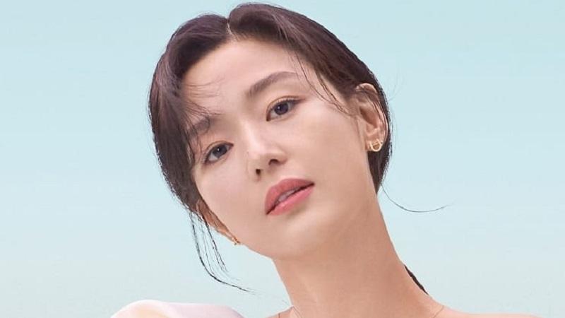 https: img.okezone.com content 2021 09 06 194 2466790 5-potret-cantik-jun-ji-hyun-aktris-korea-terkaya-2021-dengan-bayaran-rp209-miliar-PTrWY2vXkT.jpg