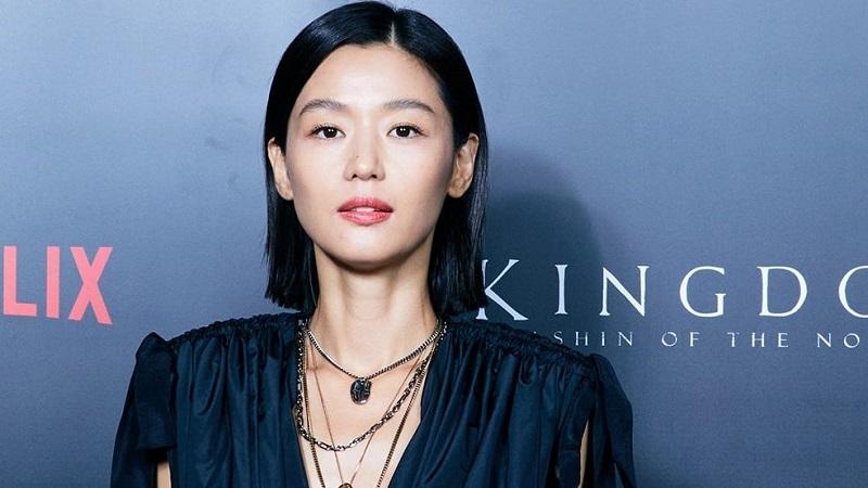 https: img.okezone.com content 2021 09 06 194 2467125 5-gaya-fashion-mewah-jun-ji-hyun-aktris-korea-terkaya-2021-t2wVOrU9SB.jpg