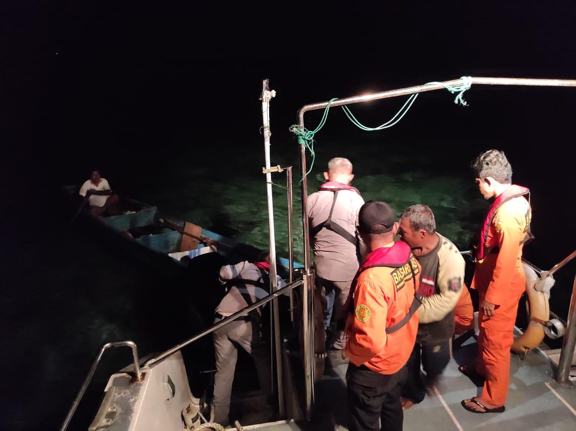 https: img.okezone.com content 2021 09 06 340 2466915 sempat-hilang-dan-terombang-ambing-longboat-mati-mesin-di-pulau-dua-akirnya-ditemukan-cu76a7rT2f.jpg