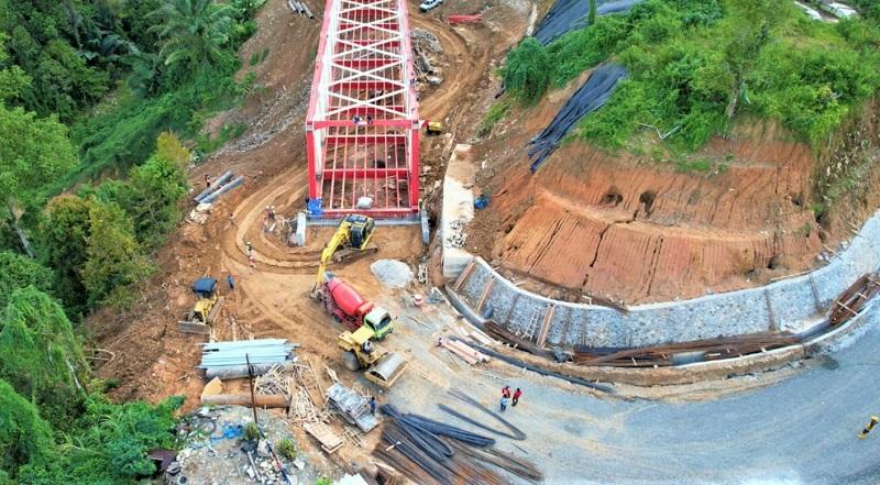 https: img.okezone.com content 2021 09 06 470 2467064 pasca-longsor-jembatan-palopo-toraja-sepanjang-100-meter-segera-rampung-uMipWm7Va2.jpg