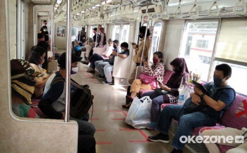 https: img.okezone.com content 2021 09 06 620 2466772 pengguna-krl-naik-5-kai-commuter-operasikan-983-perjalanan-per-hari-nn79uH7ner.jpg