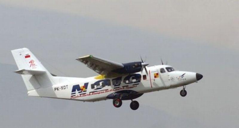 https: img.okezone.com content 2021 09 07 320 2467554 pesawat-n219-mengudara-di-langit-indonesia-H9CwsgASQt.jpg