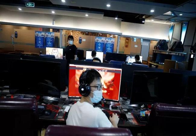 https: img.okezone.com content 2021 09 07 57 2467449 waktu-bermain-game-di-china-dibatasi-3-jam-sepekan-industri-esport-diprediksi-bakal-merosot-3EMv6t3UuM.jpg