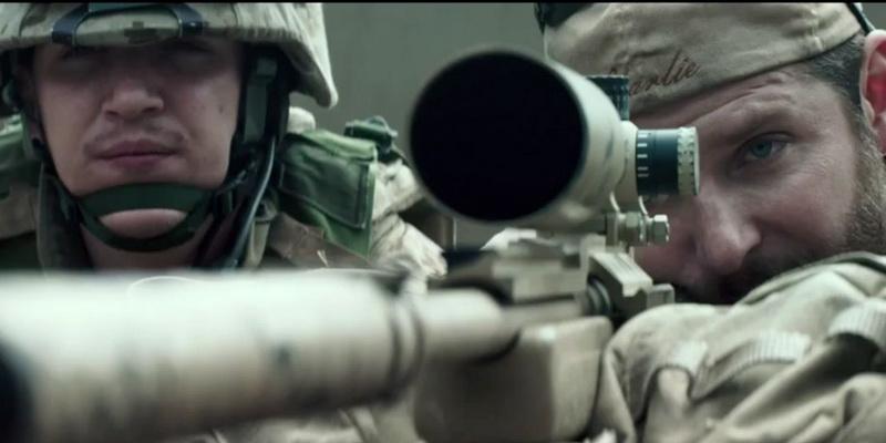 https: img.okezone.com content 2021 09 08 206 2468237 sinopsis-american-sniper-film-bradley-cooper-jadi-penembak-jitu-di-irak-L0AkqAFWRI.jpg