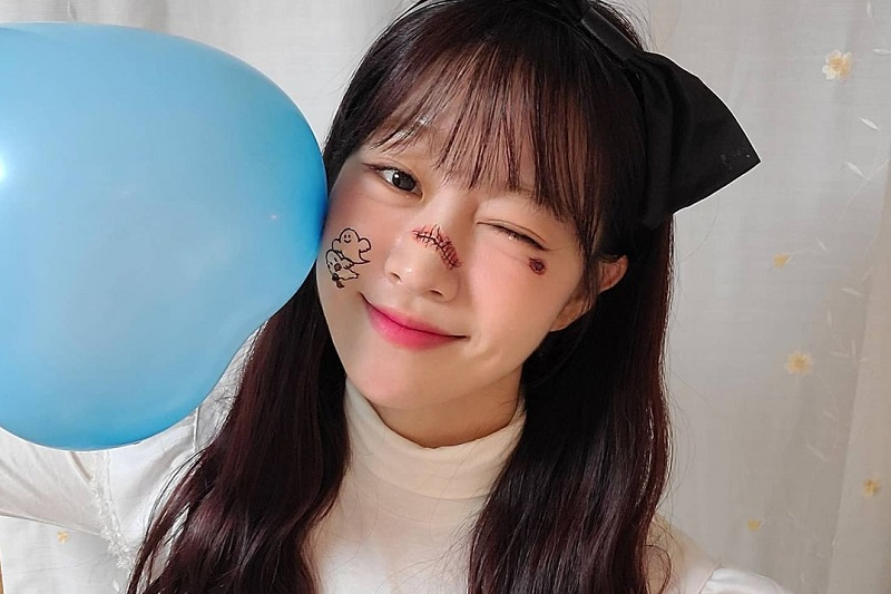 https: img.okezone.com content 2021 09 08 33 2468157 kontrak-selesai-kim-yujeong-resmi-tinggalkan-laboum-19CWhU3Cjq.jpg
