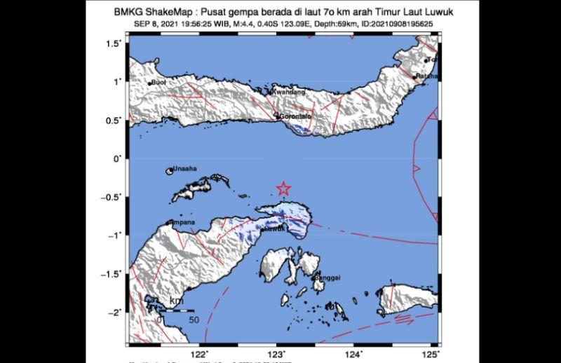 https: img.okezone.com content 2021 09 08 340 2468373 gempa-magnitudo-4-4-guncang-luwuk-sulteng-B4Dx9KSPNy.jpg