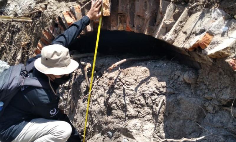 https: img.okezone.com content 2021 09 08 406 2468375 terowongan-peninggalan-belanda-ditemukan-di-klaten-begini-penampakannya-UT1RRwUAx6.jpg