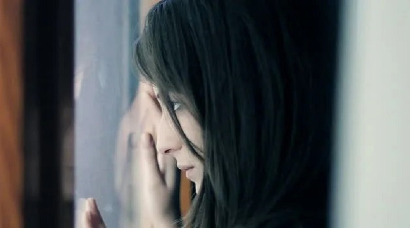https: img.okezone.com content 2021 09 08 612 2468034 kisah-wanita-lihat-mantan-kekasih-lamar-tetangga-samping-rumah-netizen-sakitnya-sampe-ulu-hati-iC1Ejv6pT3.jpg