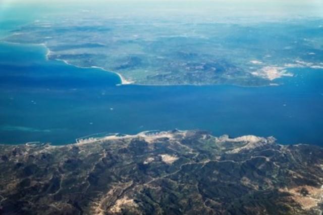 https: img.okezone.com content 2021 09 08 614 2468174 alquran-dan-sains-jelaskan-penyebab-air-laut-serta-tawar-tidak-bisa-bercampur-TRWJc0bY6s.jpg