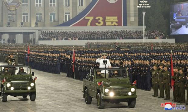 https: img.okezone.com content 2021 09 09 18 2468599 korea-utara-gelar-parade-militer-peringati-hut-nasional-qGw9eIyq4v.jpg