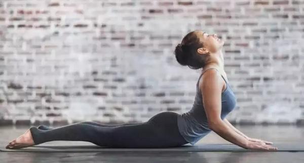 https: img.okezone.com content 2021 09 09 481 2468844 4-latihan-pilates-untuk-bantu-menurunkan-berat-badan-5lcknSlWFy.jpg