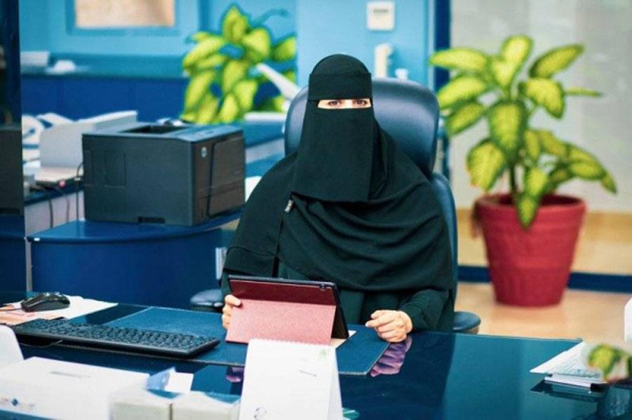 https: img.okezone.com content 2021 09 09 614 2468943 fauziah-muslimah-pertama-awasi-proyek-waterproofing-insulasi-termal-milik-arab-saudi-t5wfEjQz3G.jpg