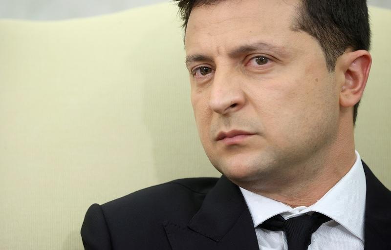 https: img.okezone.com content 2021 09 10 18 2469538 presiden-ukraina-akui-ada-kemungkinan-terjadi-perang-total-dengan-rusia-e1UN3SPwXI.JPG
