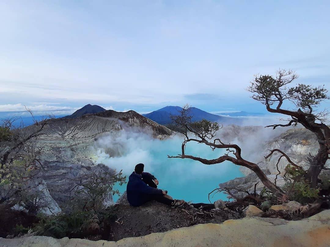 https: img.okezone.com content 2021 09 10 406 2469469 15-tempat-wisata-di-banyuwangi-sudah-beroperasi-pengunjung-wajib-sudah-divaksin-BAUD8Q5GXr.jpg