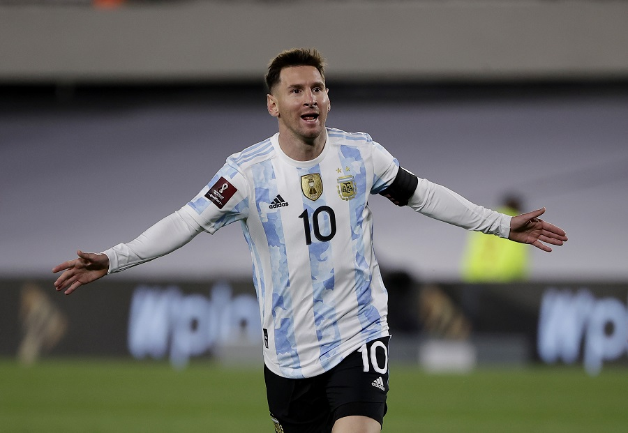 https: img.okezone.com content 2021 09 10 51 2469065 argentina-vs-bolivia-lione-messi-bawa-la-albiceleste-unggul-1-0-di-babak-pertama-mkvXzjj8eo.jpg