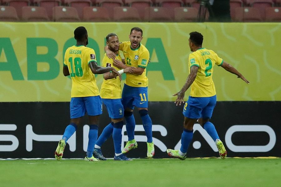 https: img.okezone.com content 2021 09 10 51 2469120 hasil-brasil-vs-peru-di-kualifikasi-piala-dunia-2022-zona-amerika-selatan-selecao-menang-mudah-PShOHblORy.jpg