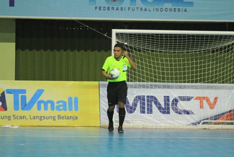 https: img.okezone.com content 2021 09 10 51 2469513 dua-wasit-indonesia-bertugas-di-aff-futsal-cup-2021-di-thailand-september-ini-HmJk9XesJL.jpg