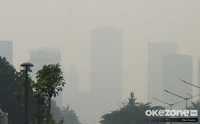 https: img.okezone.com content 2021 09 10 612 2469350 gara-gara-polusi-udara-kita-kehilangan-2-5-tahun-harapan-hidup-loh-4LLhq5ZanP.jpg