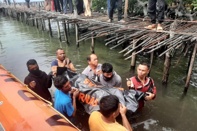 https: img.okezone.com content 2021 09 11 340 2469635 2-pria-tewas-di-lokasi-wisata-mangrove-bintan-nakhoda-kapal-jadi-tersangka-AZPvBVhJ88.jpg