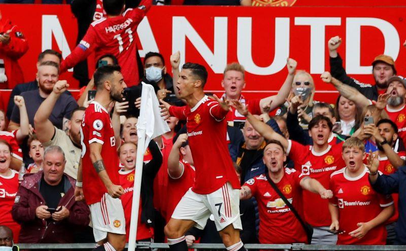 https: img.okezone.com content 2021 09 11 45 2469890 manchester-united-vs-newcastle-united-masih-sama-kuat-di-babak-pertama-tusI1D0X1v.JPG