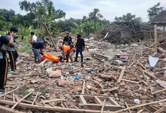 https: img.okezone.com content 2021 09 11 519 2469765 kronologi-ledakan-dua-rumah-di-pasuruan-tewaskan-2-orang-HB0iHkclYw.JPG
