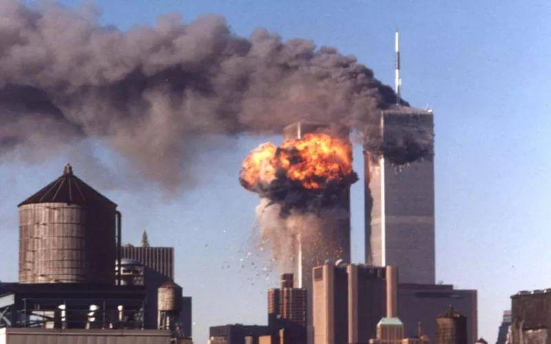 https: img.okezone.com content 2021 09 12 18 2470029 tragedi-9-11-ini-isi-rekaman-suara-pramugari-pesawat-di-udara-nyZc19UELi.jpg