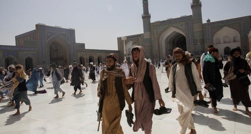 https: img.okezone.com content 2021 09 12 18 2470041 sejak-taliban-berkuasa-semakin-banyak-jemaah-sholat-di-masjid-bPtc4kQTLV.jpg