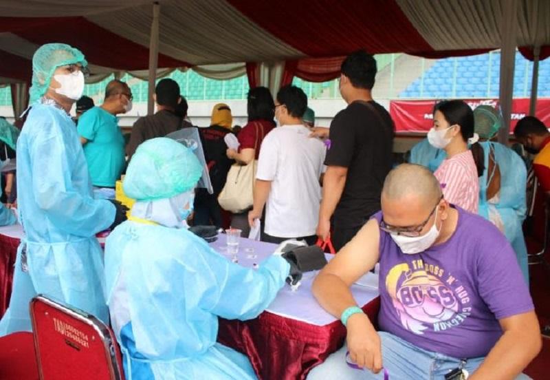 https: img.okezone.com content 2021 09 12 320 2469955 4-fakta-vaksinasi-di-indonesia-masyarakat-diminta-tidak-pilih-pilih-vaksin-UhykFUXGjb.jpg