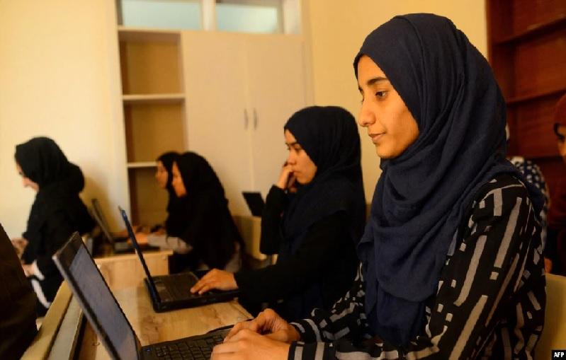 https: img.okezone.com content 2021 09 13 18 2470311 taliban-perempuan-boleh-kuliah-kelas-terpisah-dengan-laki-laki-Ubsx85zIP2.jpg