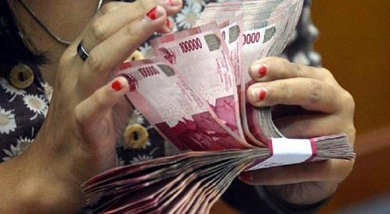 https: img.okezone.com content 2021 09 13 320 2470727 pekerja-warung-dapat-blt-subsidi-gaji-rp1-juta-2oWrFzeYEh.jpg