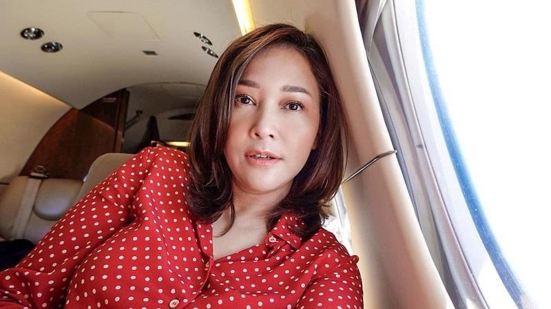 https: img.okezone.com content 2021 09 13 33 2470702 naik-jet-pribadi-maia-estianty-pamit-tinggalkan-indonesia-QaXtlyLYXK.jpg