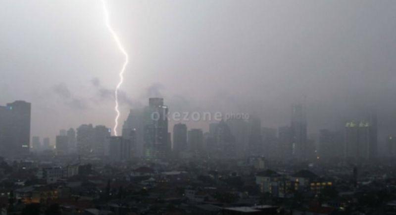 https: img.okezone.com content 2021 09 13 337 2470305 sejumlah-wilayah-diprediksi-alami-hujan-disertai-petir-hari-ini-qpFs8tD64Q.jpg