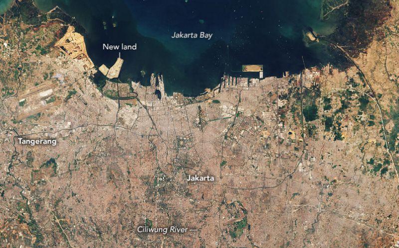 https: img.okezone.com content 2021 09 13 338 2470285 jakarta-berpotensi-tenggelam-14-persen-wilayah-pesisir-ibu-kota-di-bawah-laut-KGExFJD9P3.jpg