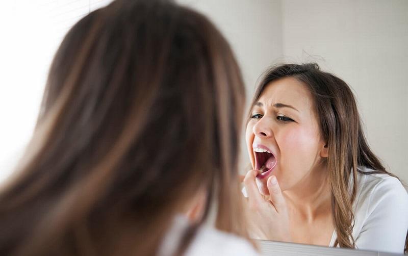 https: img.okezone.com content 2021 09 13 481 2470610 menghindari-gigi-ngilu-coba-tips-dokter-ini-mDhmMjU81x.jpg