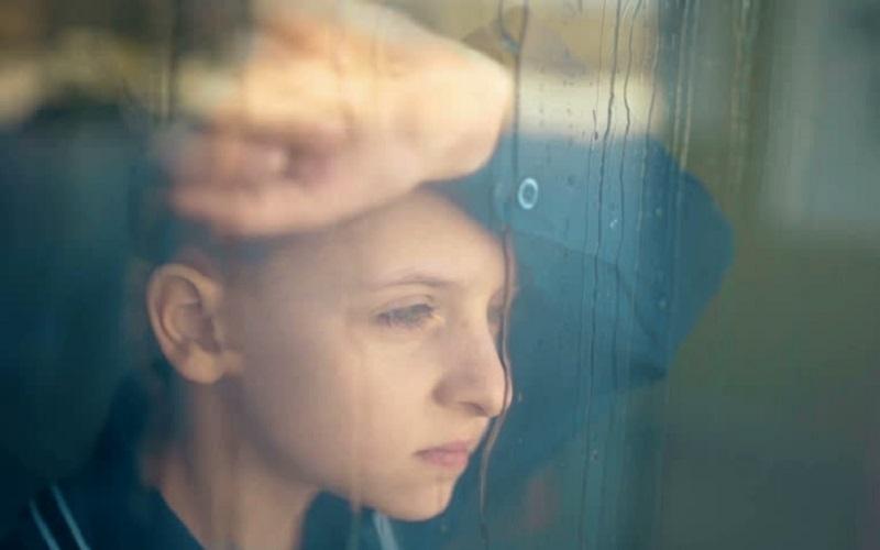 https: img.okezone.com content 2021 09 13 612 2470593 anak-depresi-ini-hal-yang-sebaiknya-dilakukan-orangtua-7gFVraENEX.jpg