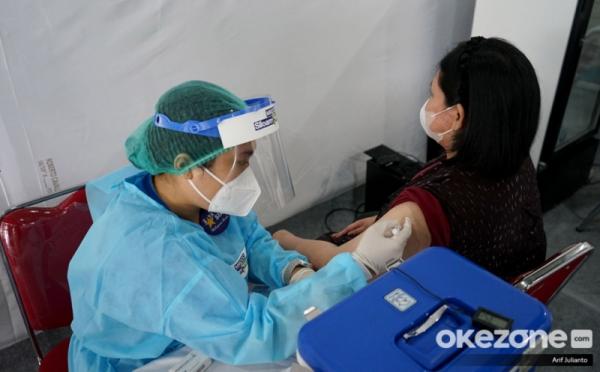 https: img.okezone.com content 2021 09 14 320 2471220 enak-banget-pekerja-ini-dapat-rp14-juta-usai-disuntik-vaksin-covid-19-YHc2wKF7w2.jpg
