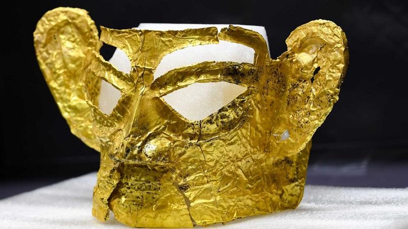 https: img.okezone.com content 2021 09 14 320 2471261 geger-ditemukan-topeng-emas-berusia-lebih-dari-3-000-tahun-exiAvhAiDj.jpg
