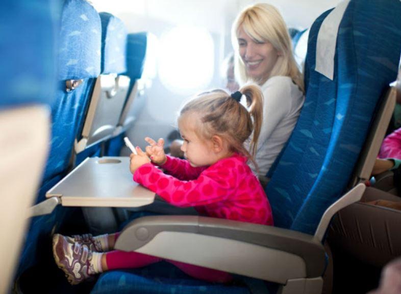 https: img.okezone.com content 2021 09 14 406 2470895 maskapai-ini-tawarkan-solusi-bagi-penumpang-yang-alergi-duduk-dengan-anak-kecil-1IDYcJADEU.JPG
