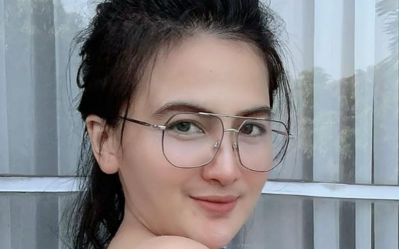 https: img.okezone.com content 2021 09 15 33 2471416 astaga-dianna-dee-starlight-pipis-di-kloset-cowok-netizen-blepetan-lah-bj198UId5P.jpg