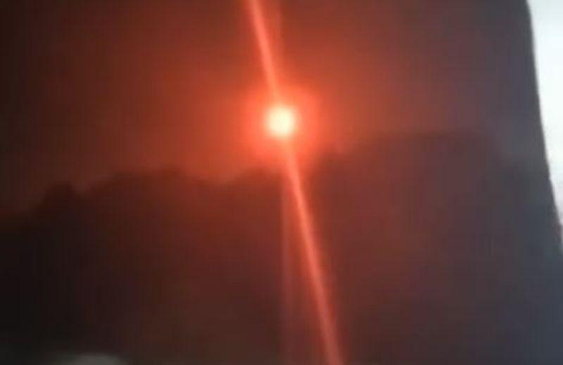 https: img.okezone.com content 2021 09 15 406 2471710 viral-bola-api-melayang-di-langit-gegerkan-warga-santet-atau-banaspati-EMN6hnkNpw.JPG