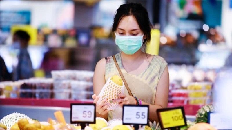 https: img.okezone.com content 2021 09 15 481 2471529 jangan-abai-prokes-ini-panduan-belanja-bahan-pokok-saat-pandemi-QVPF7xotAs.jpg