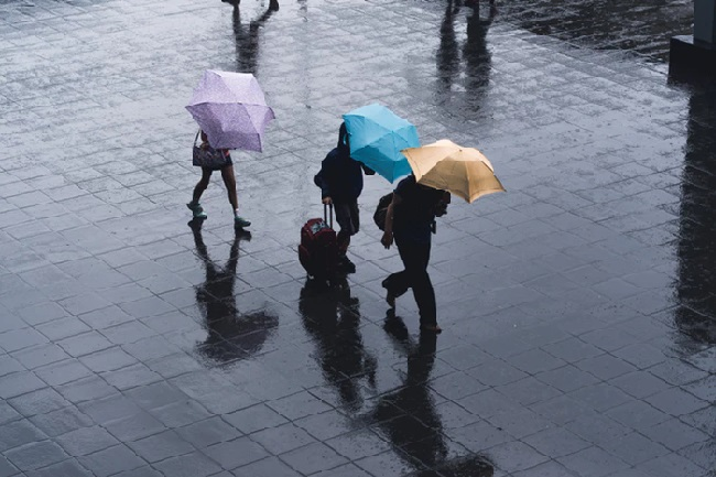 https: img.okezone.com content 2021 09 15 618 2471802 doa-ketika-hujan-turun-berkah-diturunkan-jangan-mengeluh-z7Un3MnZ8h.jpeg