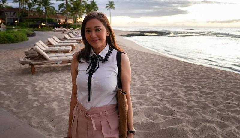 https: img.okezone.com content 2021 09 16 194 2472244 gaya-kasual-maia-estianty-liburan-di-hawaii-panen-pujian-dinar-candy-ulala-syantiknya-O3qsGwKfeX.jpg