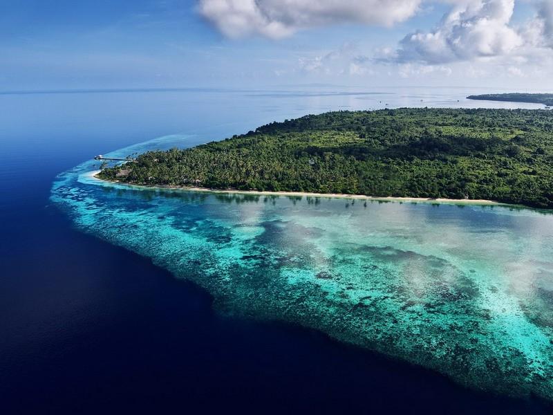 https: img.okezone.com content 2021 09 16 25 2472201 4-daya-tarik-wakatobi-surga-wisata-di-timur-indonesia-j3JLuQsHI2.jpg