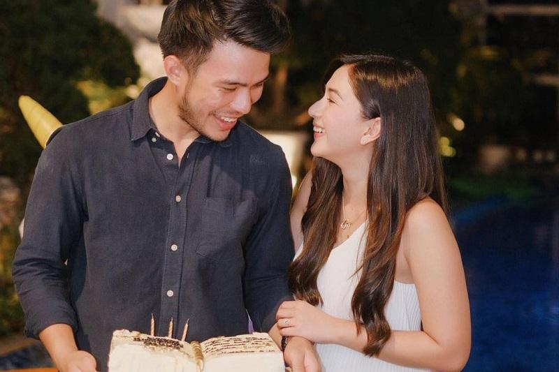 https: img.okezone.com content 2021 09 16 33 2472588 momen-romantis-saat-jessica-mila-rayakan-ulang-tahun-pacar-VtSLDD08qA.jpg