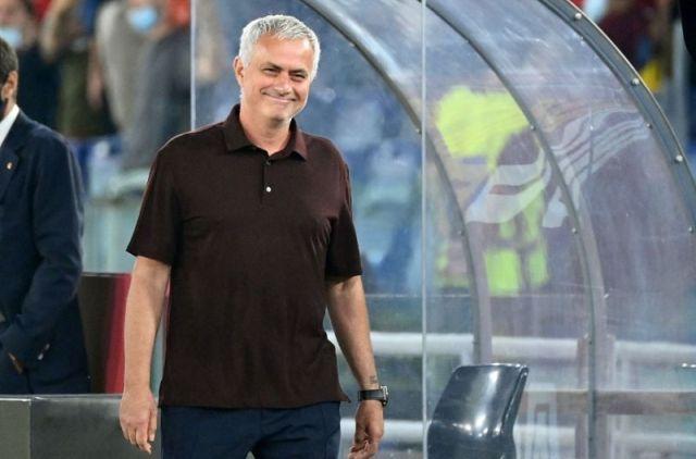 https: img.okezone.com content 2021 09 16 51 2472035 as-roma-vs-cska-sofia-jose-mourinho-pilih-fokus-ke-liga-italia-LfyAee589J.jpg