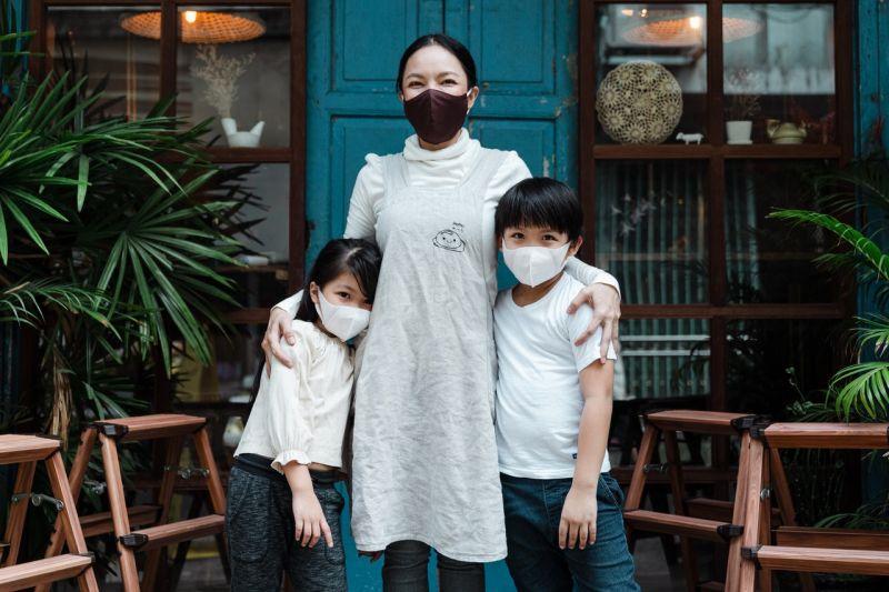 https: img.okezone.com content 2021 09 16 612 2472373 4-tips-menjaga-kesehatan-anak-selama-pandemi-vQUi8QRF2W.jpg