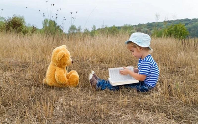 https: img.okezone.com content 2021 09 16 612 2472473 sering-mendongeng-untuk-anak-yuk-ini-berbagai-manfaatnya-6FWxUYRXjN.jpg