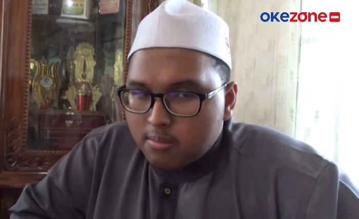 https: img.okezone.com content 2021 09 16 65 2472257 menyandang-tuna-netra-mahasiswa-ugm-ini-dirikan-6-pondok-tahfis-di-kampung-halaman-VXRUDLahel.png